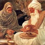 Baba Ji broke an onion and predicted to Mata Ganga (Guru Arjan's wife) that she will have a son who will break the heads of the
