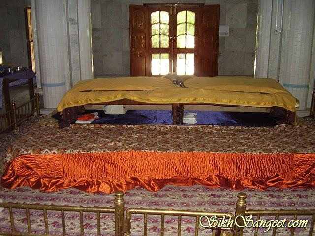 guru-granth-sahib-ji-1111111111111 (19).JPG